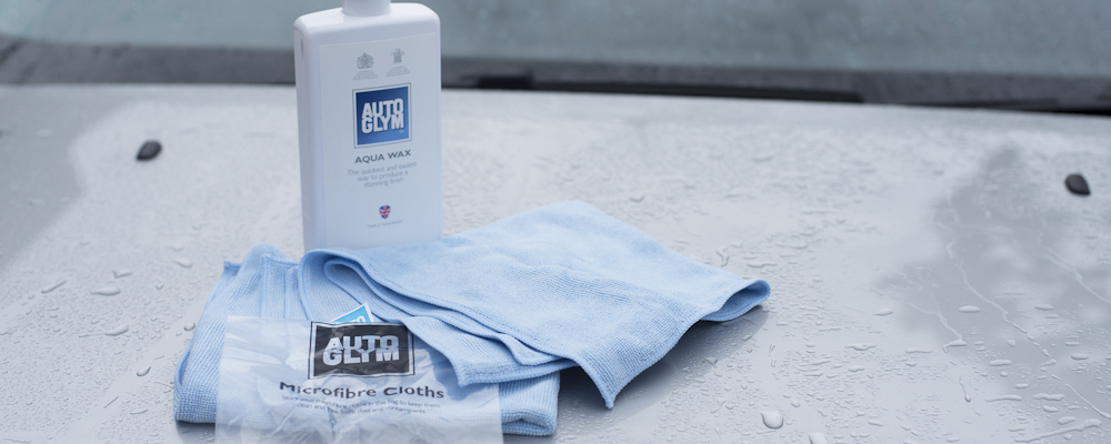 Quick car care solutions from Autoglym – Aqua Wax Kit