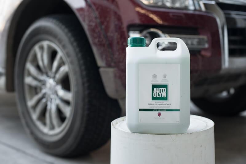 Car Cleaning with Autoglym Bodywork Conditioner