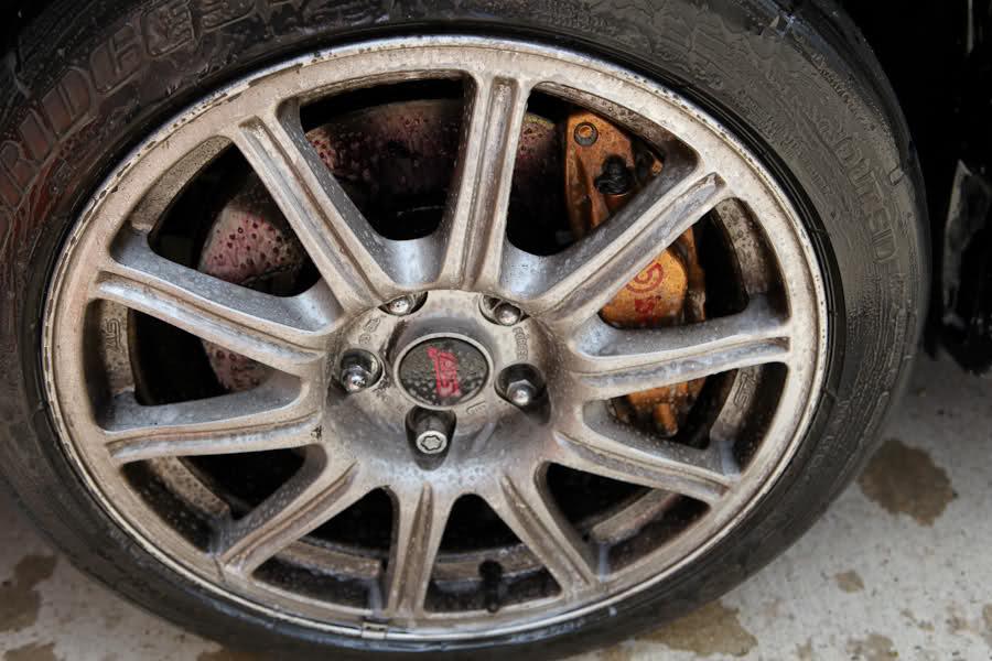 dirty-wheel
