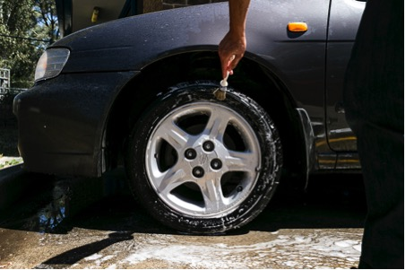 cleaning-tyres-3